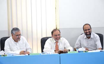 Rector UMT Chairs Academic Council Meeting